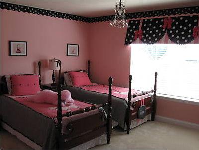 Kids room girls accordingtodina for Pink and grey kids room